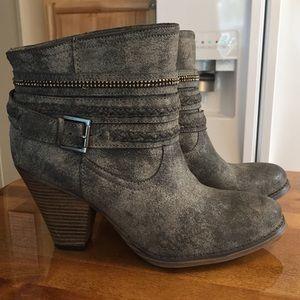 🌸 Massini Women's Boots Sz 9